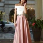 Rochie Artista roz deschis din material satinat cu insertii de broderie