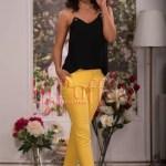 Pantaloni dama galbeni conici