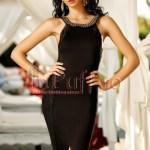 Rochie eleganta neagra accesorizata cu colier la gat