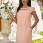 Rochie eleganta roz cu margelute la gat