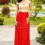 Rochie lunga rosie cu dantela aurie la bust