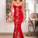 Rochie lunga rosie de seara cu broderie aurie