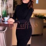 Rochie midi neagra din tricot cu volane si guler pe gat