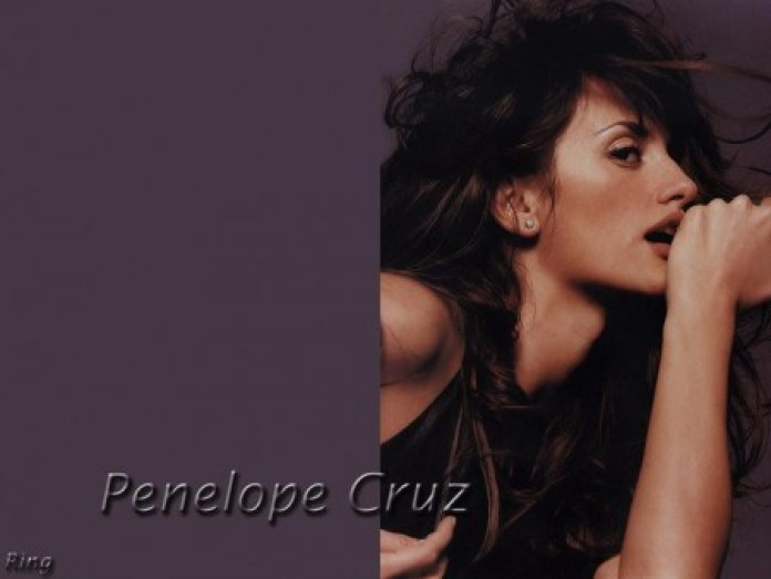 450_penelope-cruz-368393259
