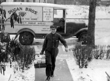 Dugan Brothers Bakery Home Delivery Truck (source: http://bit.ly/1dR526C)