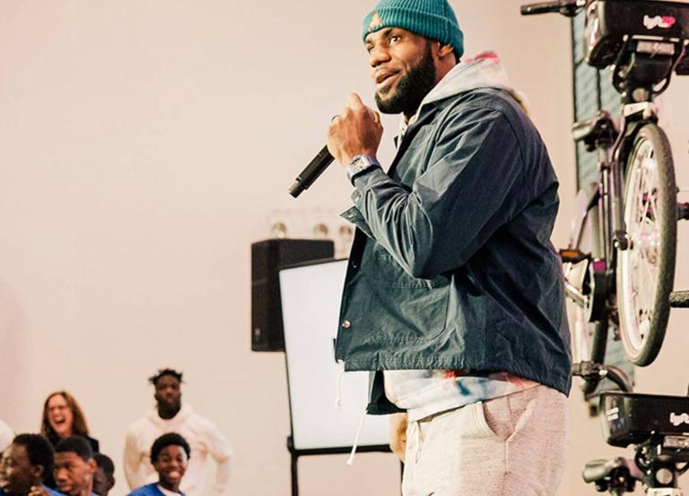 LeBron James, Lyft plan to lyft up Chicago w/bikeshare