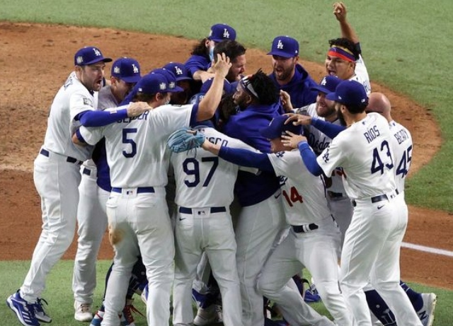 Dodgers defeat Rays to win first World Series in 32 years