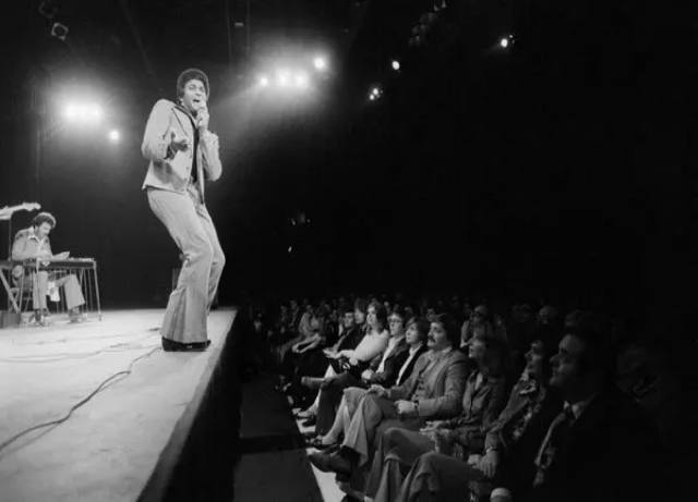 Charley Pride dies from Covid-19 complications