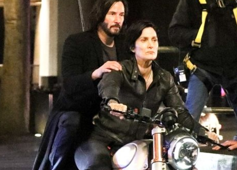 Keanu Reeves, Carrie-Anne Moss on returning to 'Matrix'