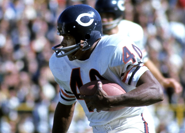 Chicago Bears' legend Gale Sayers dies at 77