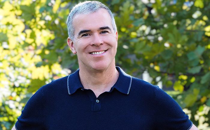 TomPastorelle joins Sarofsky as Senior Editor