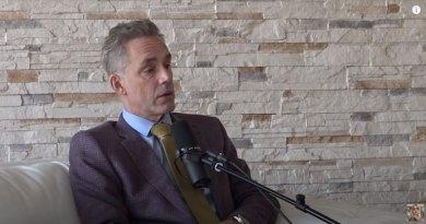Den canadiske psykolog, professor og forfatter til bestselleren '12 regler for livet' Jordan Peterson er blevet smittet med coronavirus på serbisk hospital. Billede: Screenshot, YouTube/Mikhaila Peterson.