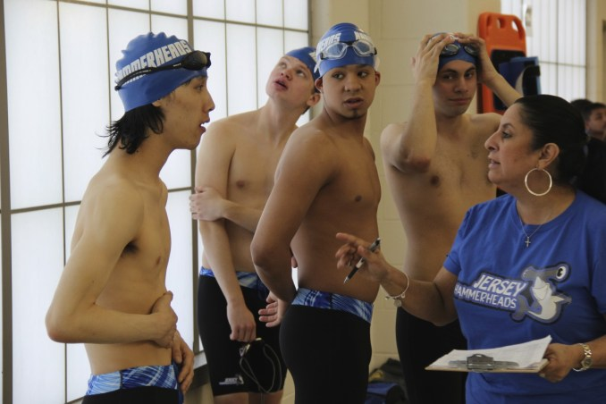 1_swim-team-key-image