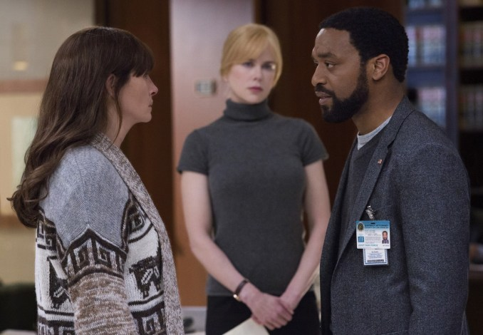 (L-R) JULIA ROBERTS, NICOLE KIDMAN (back), and CHIWETEL EJIOFOR star in SECRET IN THEIR EYES