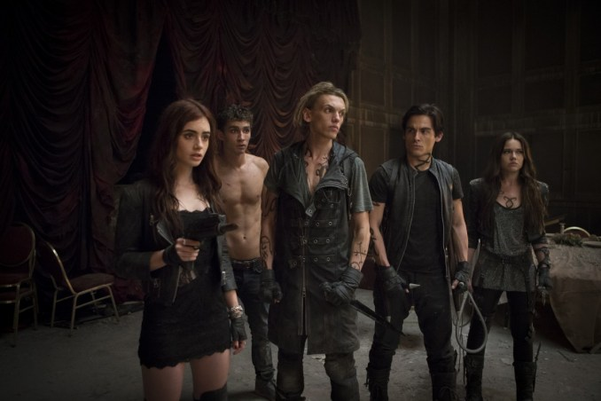 Lily Collins;Jamie Campbell Bower;Kevin Zegers
