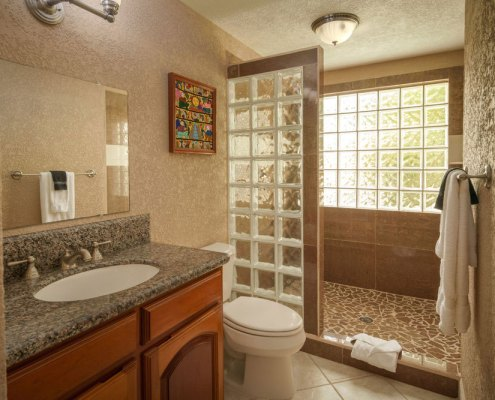 Pelican Reef Villas Bathroom