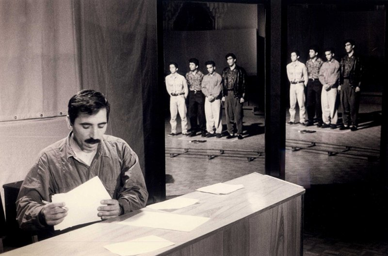 A still from Mohsen Makhmalbaf's 1995 documentary film, Salaam Cinema.