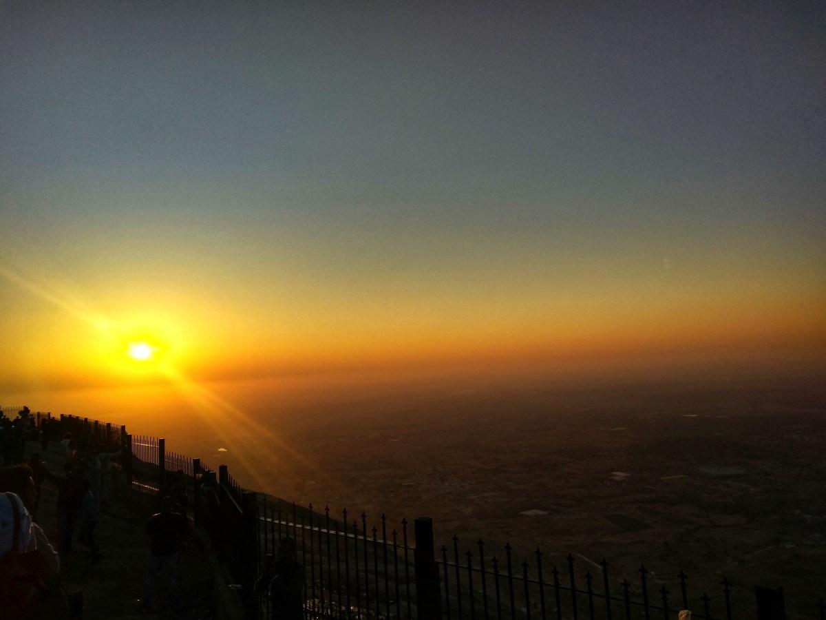 #MondayMusings : Chasing a sunrise