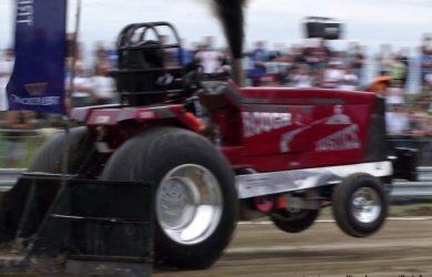 Photo du véhicule Rough-Justice lors d'une épreuve du tracteur pulling à Bouconville.