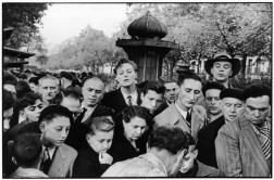 France. Paris. 1952. 11th arrondissement. Flea Market on the Boulevard Richard Lenoir.