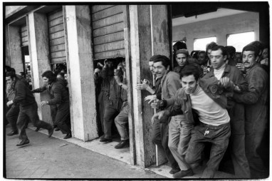 Italy. Sicily. Palermo. 1971. Shipyard workers.