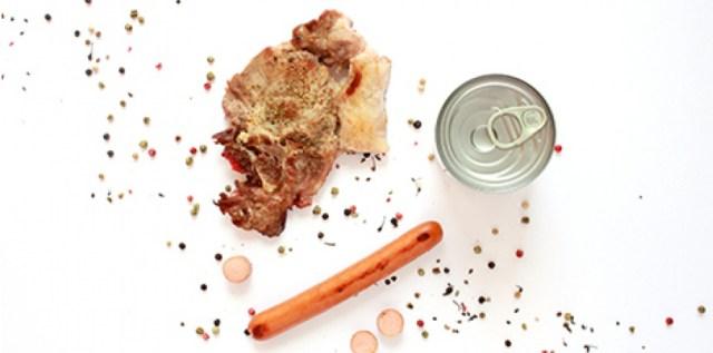 Le porc est présent dans de nombreux produits vendus en grande distribution, comme les plats cuisinés, les boissons, ou encore les produits cosmétiques et pharmaceutiques. (Margot Ritif)