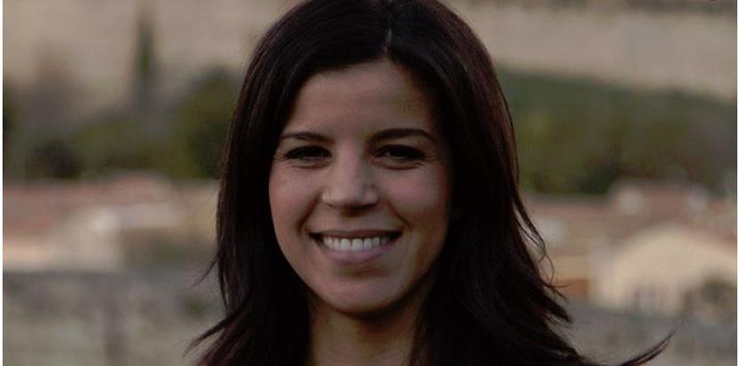 Fatima Allaoui, fraîchement nommée secrétaire nationale de l'UMP à la formation professionnelle, sur sa page Facebook (Capture d'écran Facebook)