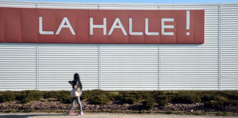Les magasins La Halle ont subi une montée en gamme qui a déboussolé certains salariés. (DAMIEN MEYER / AFP)