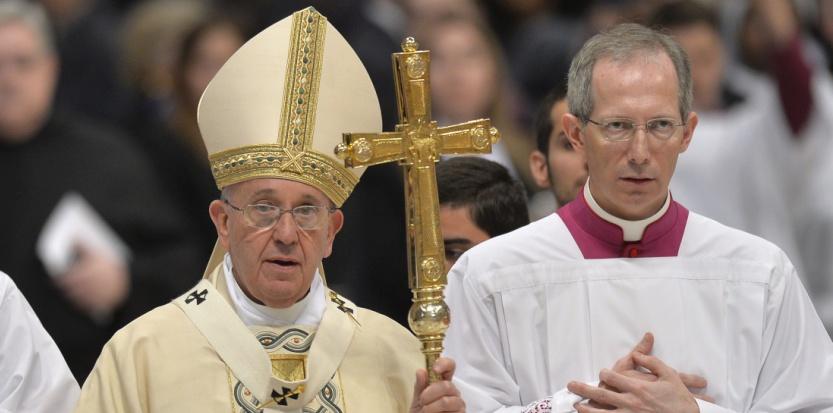Le pape François à l'ouverture d'une messe pour les fidèles de rite catholique arménien, le 12 avril 2015. (ANDREAS SOLARO / AFP)