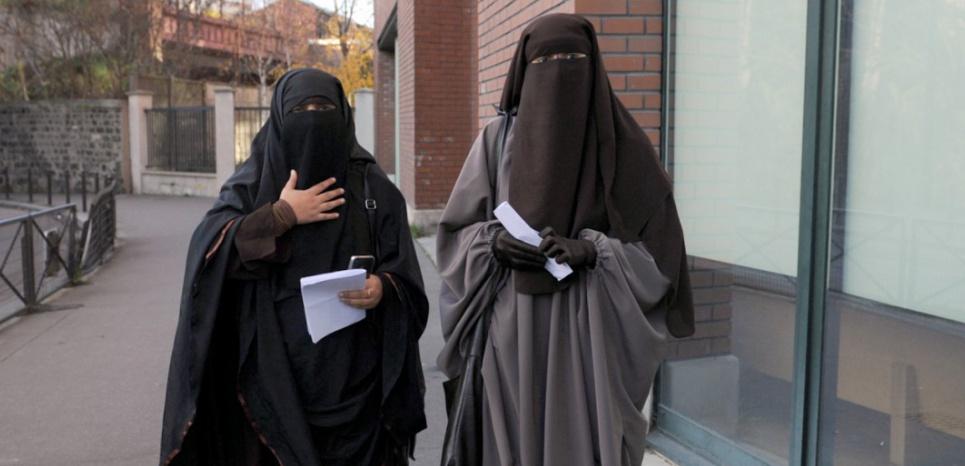 """Résultat de recherche d'images pour """"burka femme écoles"""""""