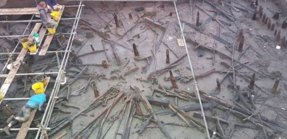 """Restes d'habitations de la """"Pompei"""" anglaise, un site de l'âge du Bronze découvert à Much Farm près de Peterborough, dans le Cambridgeshire. CREDIT: Cambridge Archaeological Unit"""
