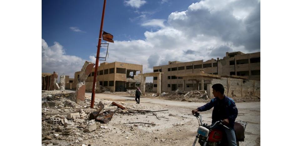 """L'armée syrienne annonce un """"régime de calme"""" à Lattaquié, Damas"""