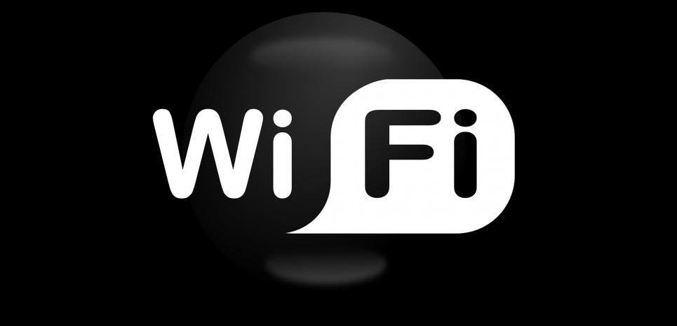 Des chercheurs ont mis au point un dispositif qui analyse les interférences lorsque quelqu'un traverse le signal wifi, à des fins d'identification. ©CC