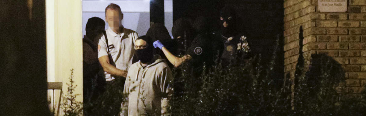 L'une des suspectes arrêtée à Boussy-Saint-Antoine (GEOFFROY VAN DER HASSELT / AFP)