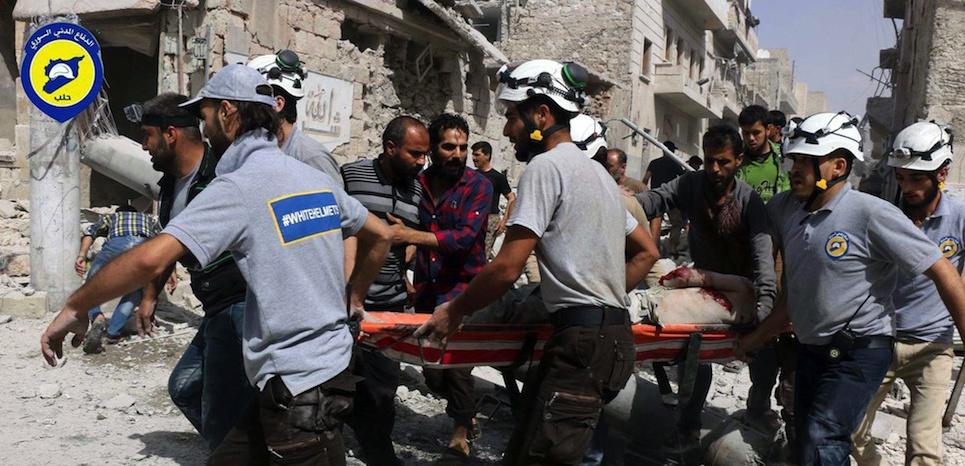Civils, sauveteurs et bombardés : qui sont les casques blancs syriens ?
