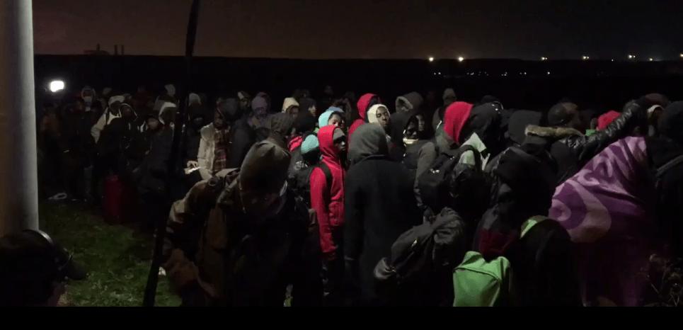 """EN DIRECT. """"Jungle"""" de Calais : l'évacuation débute sous haute sécurité"""