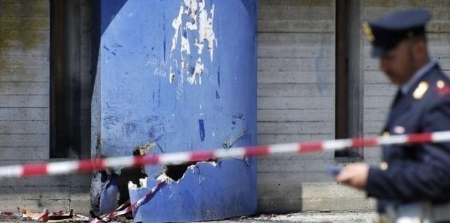 L'explosion d'une bombe devant un lycée dans le sud de l'Italie a fait un mort et cinq blessés. (AP/SIPA)