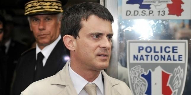 Le ministre de l'Intérieur, Manuel Valls, à Marseille, le 21 mai. (BORIS HORVAT / AFP)