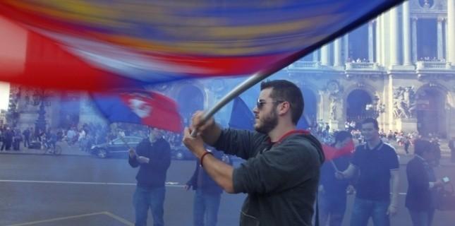 Lors d'une manifestation organisée par le Bloc Identitaire à Paris (AFP / KENZO TRIBOUILLARD)