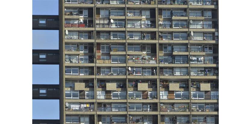 """La Grande-Bretagne ne versera plus d'allocations logement aux immigrés sans emploi originaires d'autres pays de l'Union européenne, à compter d'avril. Selon deux ministres, cette mesure mettra fin à """"une trahison honteuse"""" dont sont victimes les travailleurs britanniques. /Photo d'archives/REUTERS/Toby Melville (c) Reuters"""