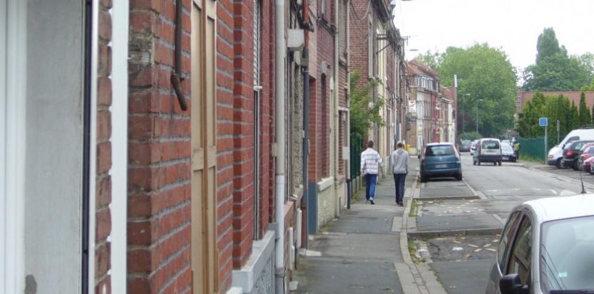 Dans le quartier populaire de Lille-Sud, Marine Le Pen a recueilli de 35 à 50% des voix dans certains bureaux. TV - Le Nouvel Observateur