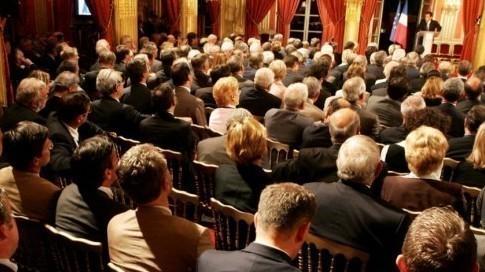Sarkozy devant les députés UMP en 2007 (Sipa)