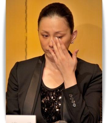 米倉涼子の元旦那との離婚理由がモラハラ?職業や顔画像を調査!