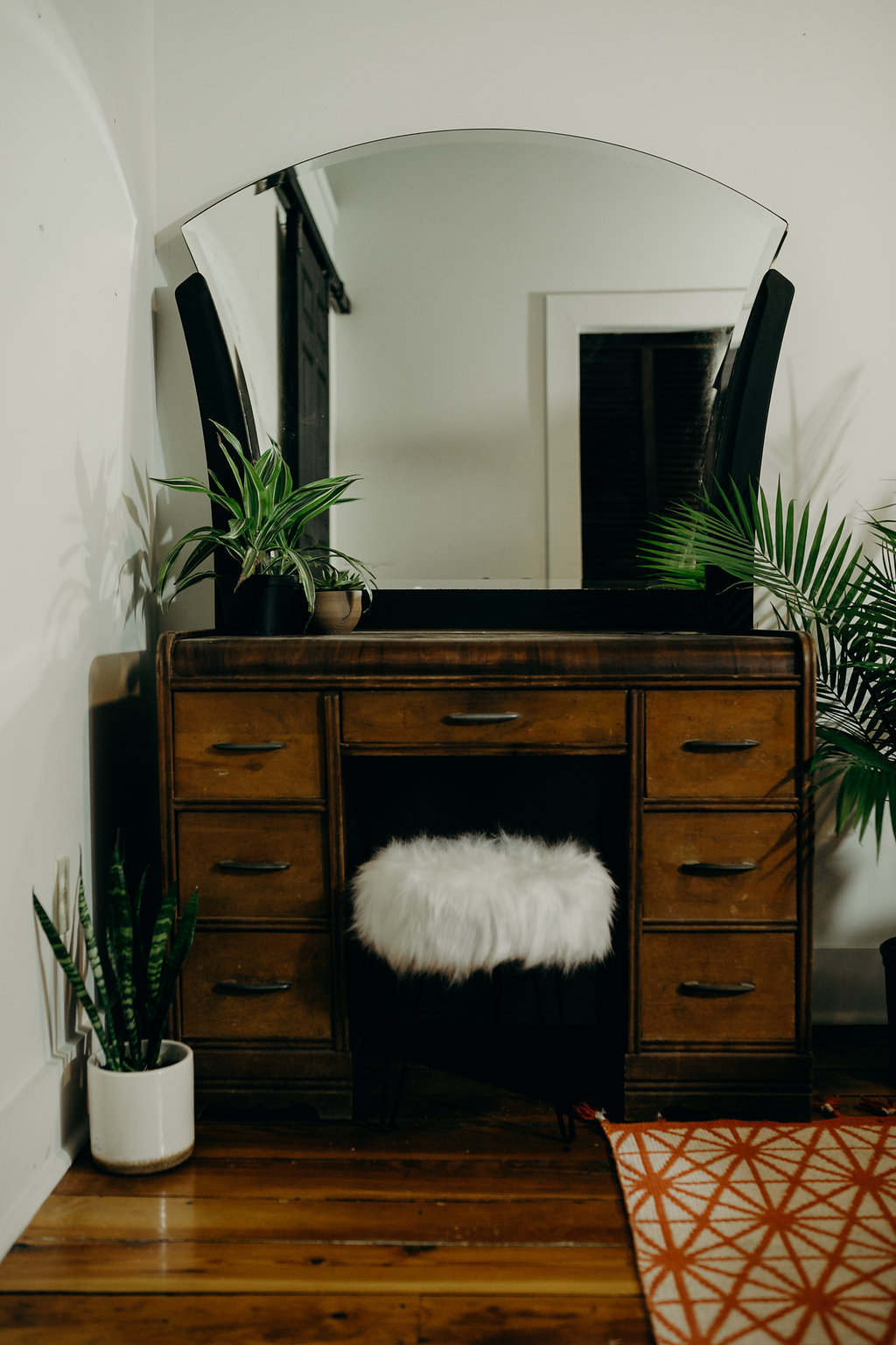 Wooden vanity, large mirror, with faux fur seat, Springfield airbnb