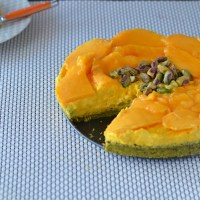 Community Molecules Dancing / Mango, Saffron & Pistachio Cheesecake {gluten free}
