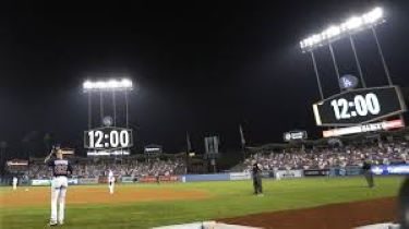 Who's Watching As The Clock Strikes Midnight - G3 2019 WS (Photo: wcvb.com)