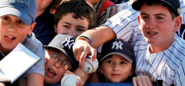Yankees Fans (Photo: NBC 10)