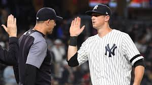 Aaron Boone Loves DJ LeMahieu (Photo: Newsday)
