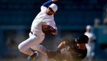 Brett Gardner take out Max Muncy (Photo: Kevin Kuo AP)
