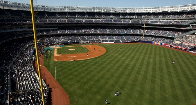 Short Porch Yankees Stadium (Photo: BleacherReport)